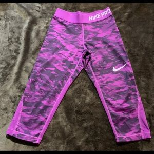 Nike Pro athletic Capri cut leggings.
